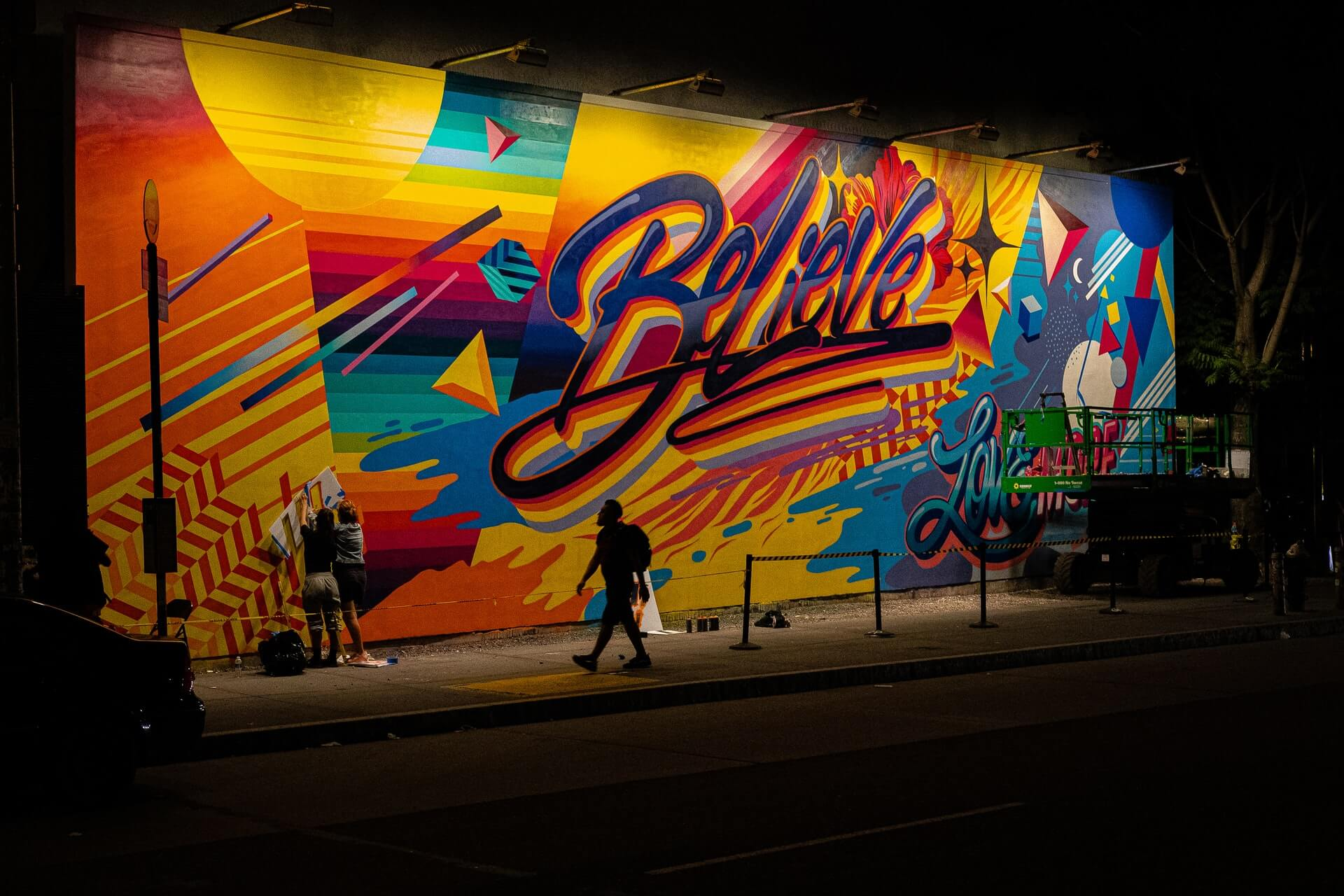 quotes-beliving-yourself-colorful-mural