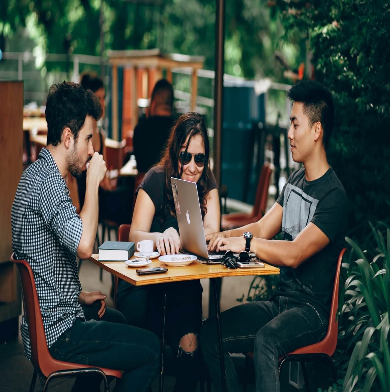 mastermind-definition-power-three-people-meeting
